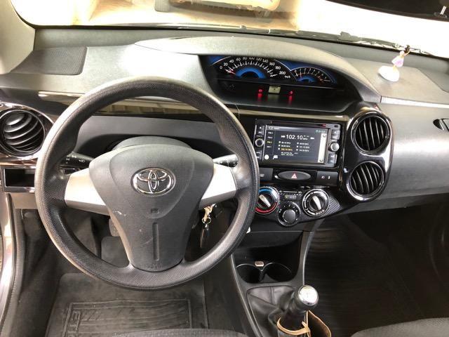 Toyota étios Hatch hb x 2014 1.3 - Foto 4