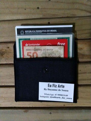 Carteirinha multiuso. Documentos, cartão de crédito e dinheiro e porta absorvente.  - Foto 2