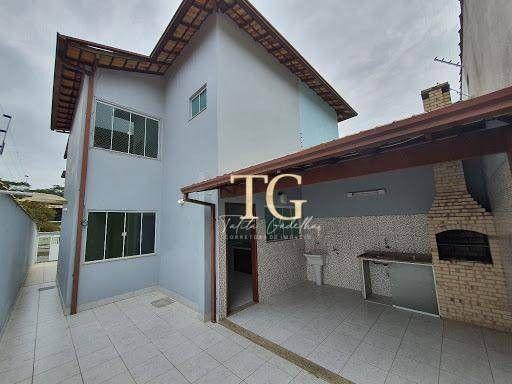 Ótima casa 3 quartos com churrasqueira e quintal Prox ao Centro de Rio das Ostras