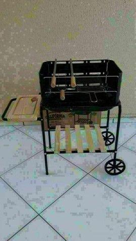 Churrasqueira+ kit churrasco com 6 itens nova - Foto 2