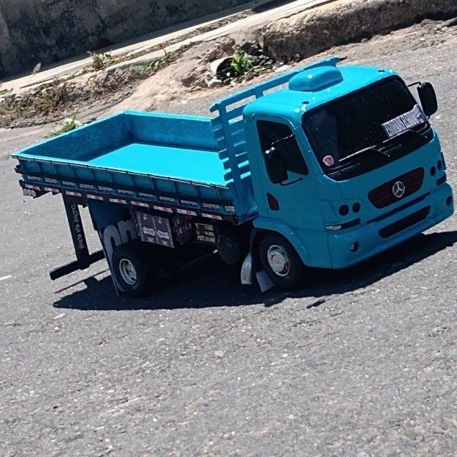 Vende-se esta miniatura de caminhão - Foto 3