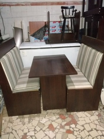 Mesa com poltrona