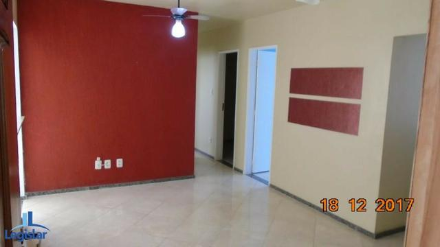Aluguel - Apartamento com 4 quartos em condomínio fechado próximo à praia