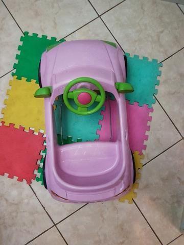 Carrinho a pedal infantil Audi TT rosa - Momeplay (usado em muito bom estado) - Foto 2