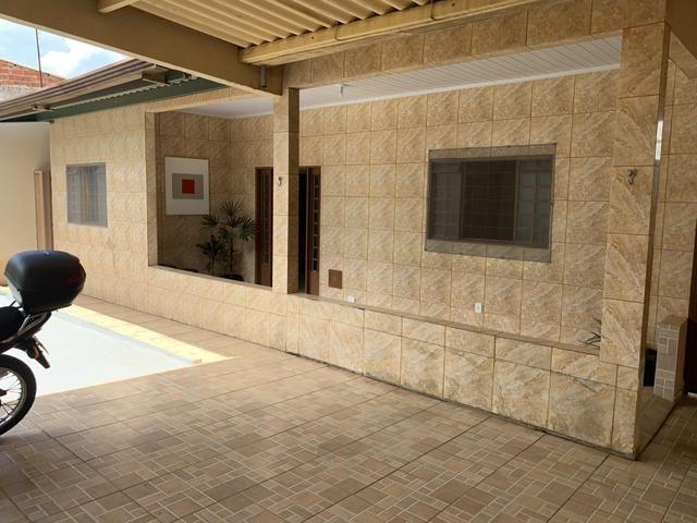 Excelente casa de 3 qts, sendo 1 suite no Setor de Mansões de Sobradinho.