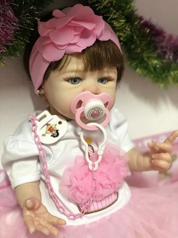 Bebê Reborn hiper realista de silicone parece de verdade - Foto 4