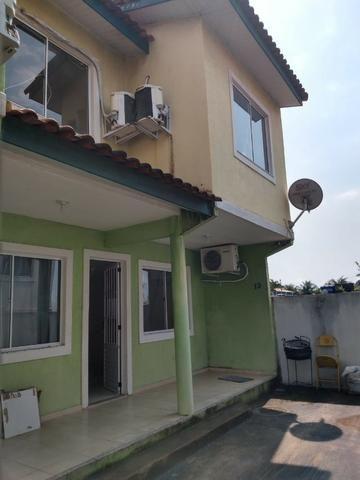 Ampla casa duplex com 3 quartos, sendo 1 suíte, no bairro Califórnia em Itaguaí - Foto 2