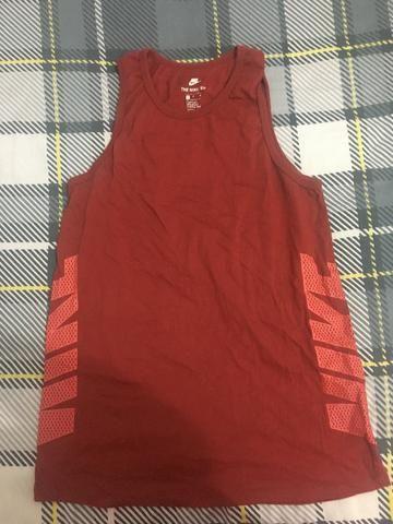 Camiseta Regata Vermelha Nike - Tam M