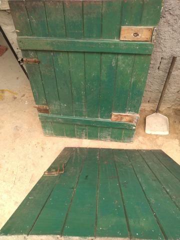 Vende-se uma porta de dois rolo boa toda - Foto 2