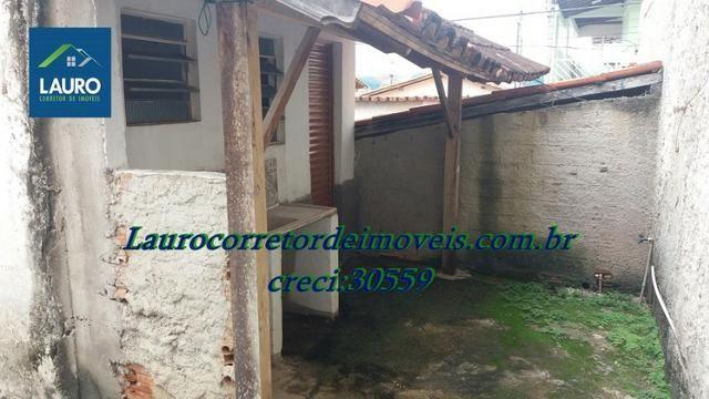Área com 02 casas construídas, área do terreno com 220 m² no Bairro Funcionários - Foto 16