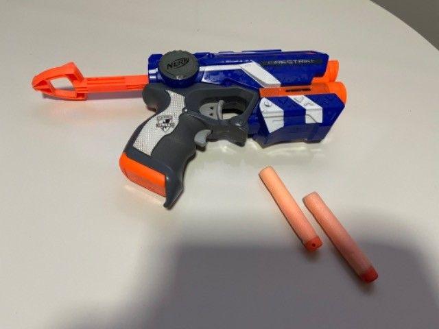 Brinquedo Nerf Firestrike com mira laser - Foto 2