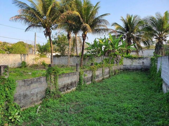 Lote de esquina murado escriturado 450m² em Perocão  - Foto 12