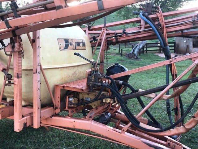 Columbia Cross jacto 2000 litros - Foto 3