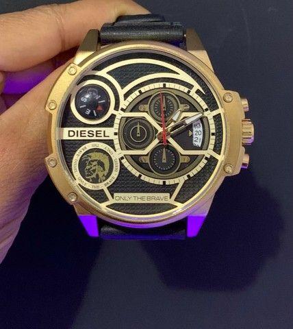 Relógio diesel com pulseira de Couro