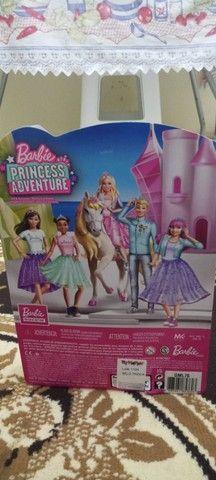 Vendo Barbie original nova na caixa  - Foto 2