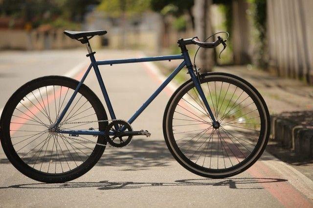 Bicicleta fixa com guidão de carbono  - Foto 3