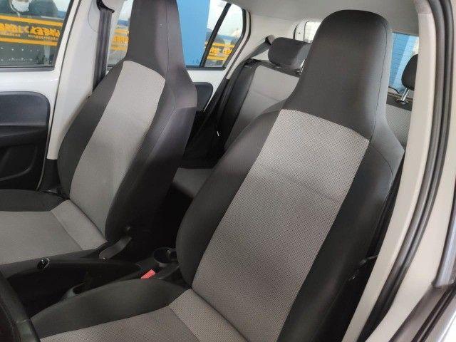 VW Up Take 2015 - 4 portas e completo - Foto 5