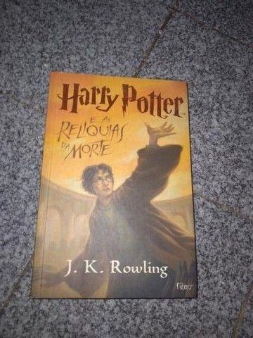 """Livro """"Harry Potter e as Relíquias da Morte - J.K. Rolling"""""""