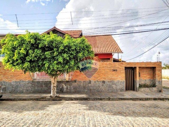 Casa no Catolé, com 340m², 5 quartos, sendo 3 suítes e 4 salas. - Foto 2