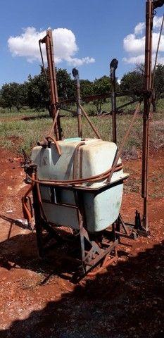 Pulverizador Berthoud 400 litros - Foto 2