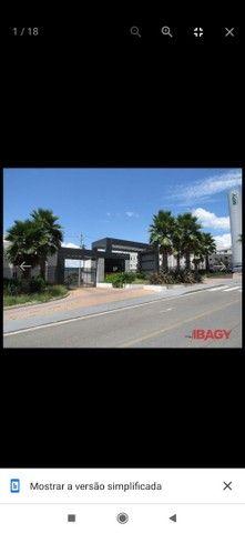 Alugo Apartamento - Somente com Imobiliária