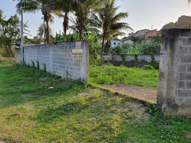 Lote de esquina murado escriturado 450m² em Perocão  - Foto 4