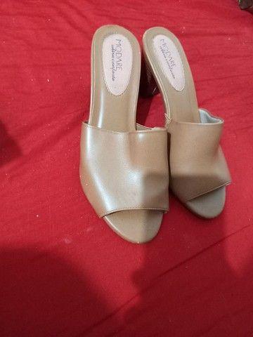 Vendo sandálias e sapatos 37 de 5 a 15 reais  - Foto 2