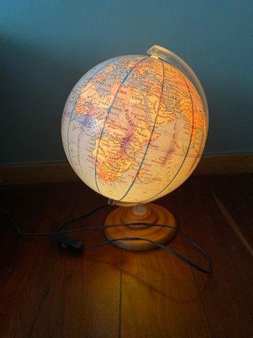 Globo mapa mundi iluminado