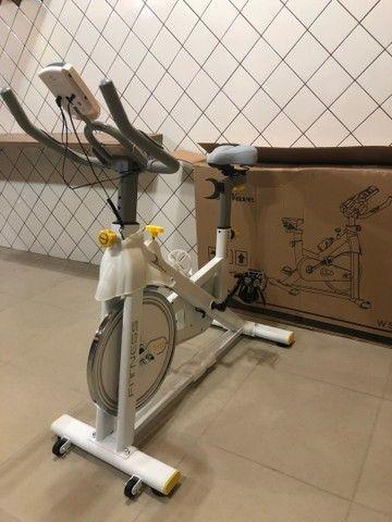 Bicicleta Bike Spinning Wave W500 zerada