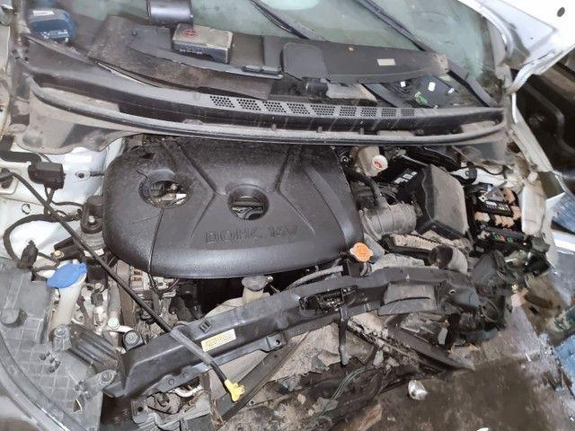 Hyundai ELANTRA GLS 2.0 2012 - Foto 6