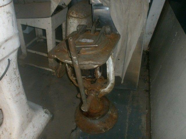 divisora de massa de coluna industrial - precisando de limpeza - Foto 2