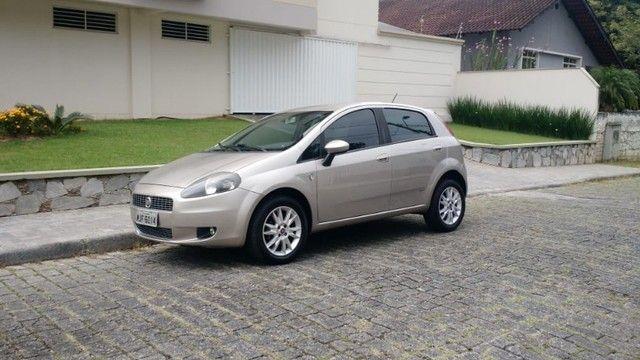 Fiat Punto Attractive 1.4 2012 - Foto 9