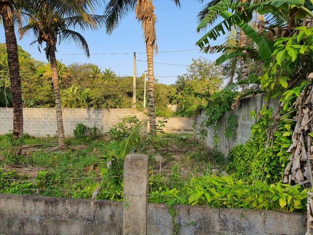 Lote de esquina murado escriturado 450m² em Perocão  - Foto 9