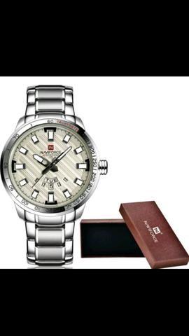Relógios NaviForce a prova d'água