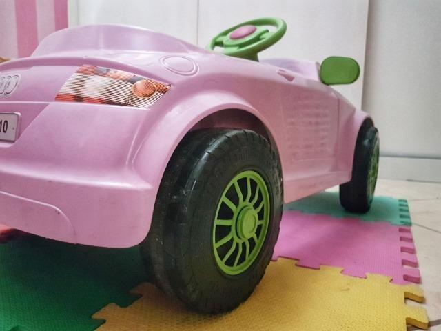 Carrinho a pedal infantil Audi TT rosa - Momeplay (usado em muito bom estado) - Foto 6