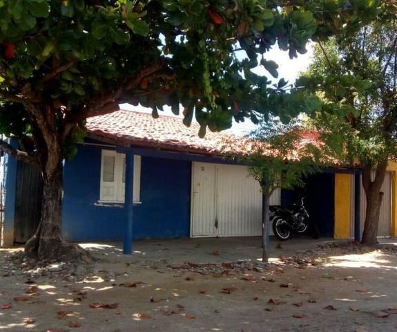 Vende-se - Casa 3 quartos garagem e quintal
