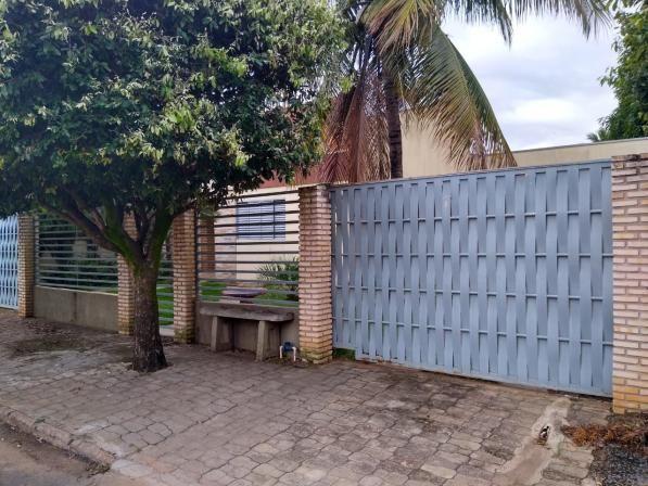 2 casas no mesmo terreno no Castelândia. Ideal para renda residual!