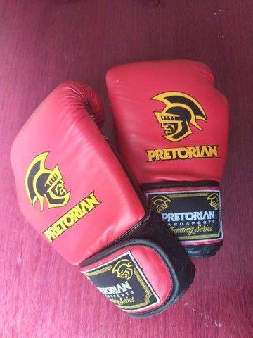 Luva Muay Thai Boxe Pretorian - Vermelho E Preto Como Nova - Foto 3