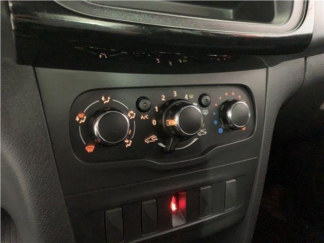 Renault Logan 2020 1.0 12v sce flex life manual - Foto 15