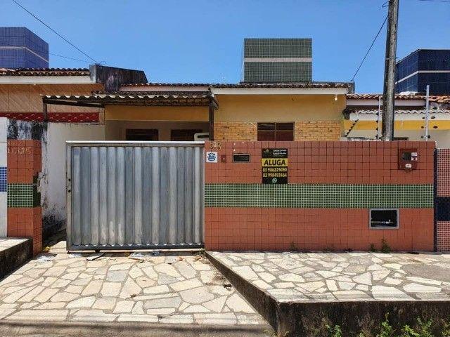 José Américo - Alugo casa com 2/4, toda gradeada. - Foto 8
