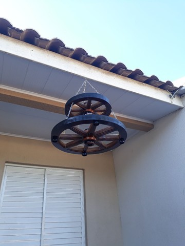 Lustre réplica roda de carroça - Foto 6