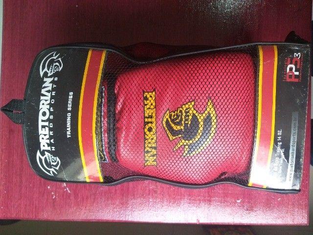 Luva Muay Thai Boxe Pretorian - Vermelho E Preto Como Nova - Foto 5
