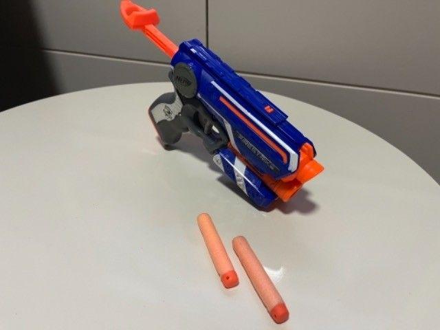 Brinquedo Nerf Firestrike com mira laser