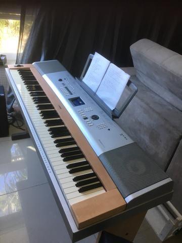 Teclado Yamaha Dgx 630 Piano Digital