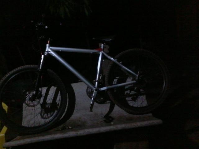 Só pra hj bike da chimango quadro de alumínio freios a disco * zap