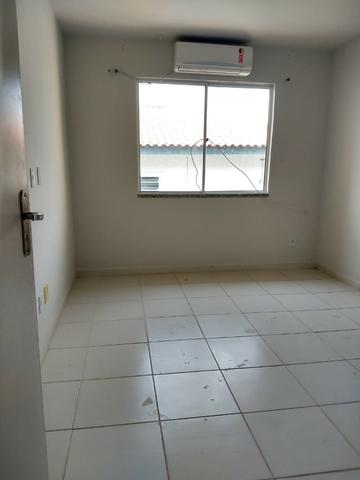 Ampla casa duplex com 3 quartos, sendo 1 suíte, no bairro Califórnia em Itaguaí - Foto 4