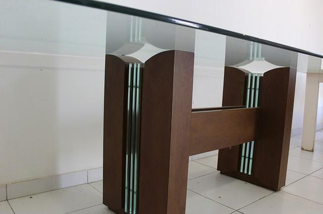 Vendo- Mesa 8 lugares R$: 2.200,00, e Armário Buffet R$:1.500,00 - Foto 2