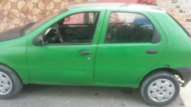 Vendo esse carro pálio ano 2002