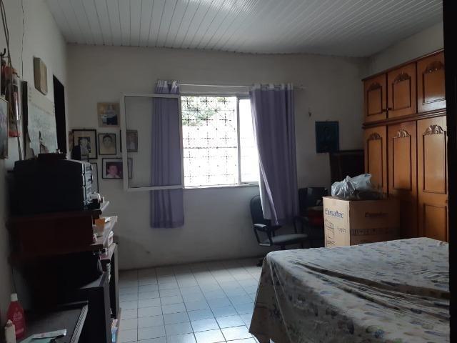 Casa na Av Waldir Diogo com 05 quartos e garagem pra 4 carros. Excelente imóvel - Foto 9