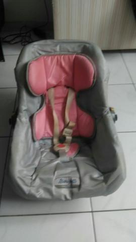 Bebê conforto e cadeira de carro